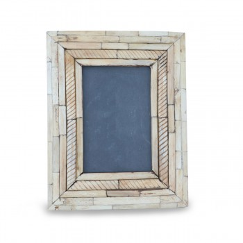 Suave Rustic Wooden Frame